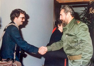 Photographer Tom Salyer meets Fidel Castro