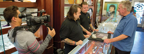 Pawn Stars on set