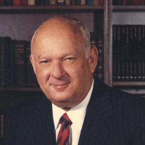 Greenberg Traurig co-founder Robert Traurig dies at 93