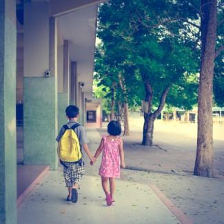 Photo_of_children_walking