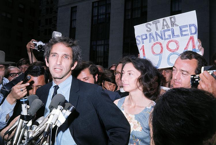 Daniel Ellsberg talks to the press in 1971