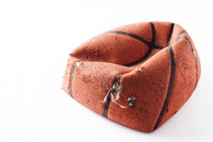 Photo_of_deflated_basketball