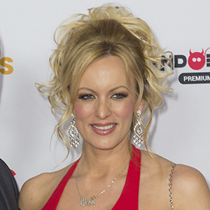 Stormy Daniels - Tabloid reportedly delayed Stormy Daniels story for 6 years after litigation threat by Trump lawyer