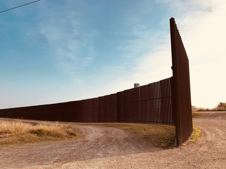 Supreme Court lifts injunction that had blocked military funding for border wall