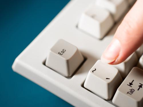 shutterstock_apostrophe button on keyboard