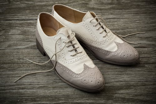 shutterstock_white shoes