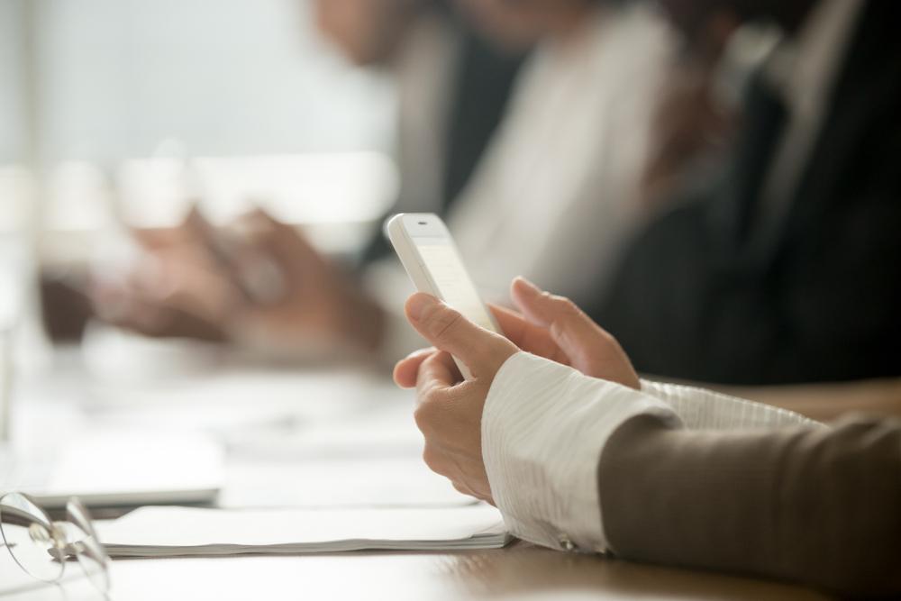 smartphone meeting
