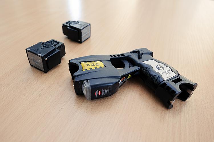 stun gun and cartridges
